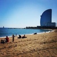 Foto tirada no(a) Praia da Barceloneta por David H. em 4/1/2013