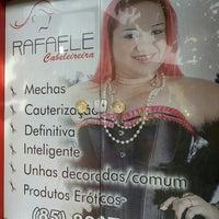 Photo taken at Rafaele Cabeleireira by Patricia P. on 4/17/2014