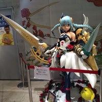 รูปภาพถ่ายที่ AppBank Store 新宿 โดย TK เมื่อ 8/25/2014