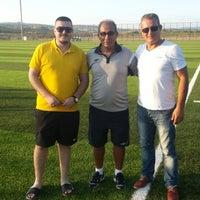 Photo taken at Vali Mustafa Yaman Sentetik Çim Yüzeyli Futbol Sahasi by Taner C. on 9/13/2014