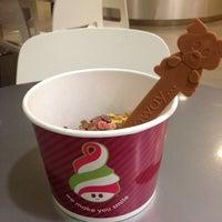 Photo taken at Menchie's Frozen Yogurt by JOEY B. on 10/10/2012