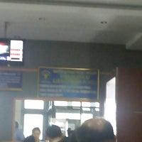 Photo taken at Kantor Imigrasi Kelas I Manado by Desaskia V. on 3/29/2016