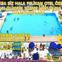 8/16/2014 tarihinde Pelikan Otel Yüzme Havuzuziyaretçi tarafından Pelikan Otel Yüzme Havuzu'de çekilen fotoğraf