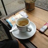 Das Foto wurde bei KaffeeBar von SIGA am 6/28/2013 aufgenommen