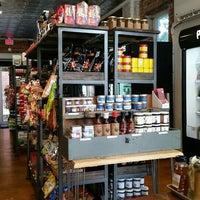 Foto tirada no(a) Union Kitchen Grocery por JR R. em 8/23/2015