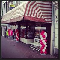 Photo taken at Chocola Belga by Tijs T. on 4/6/2013