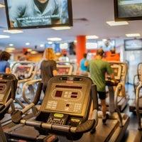 Foto tirada no(a) Fitness Hut por Fitness Hut em 6/16/2015