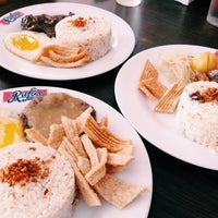 Photo taken at Rufo's Famous Tapa by Lean R. on 5/24/2014