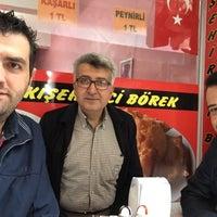 Photo taken at Eskişehir Çi Börek by Çağrı K. on 4/25/2015