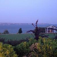 Photo taken at Batı Panorama Cafe-Restaurant by Seda Y. on 6/30/2014