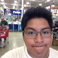 Photo taken at Lowe's Home Improvement by Ricardo C. on 7/8/2015