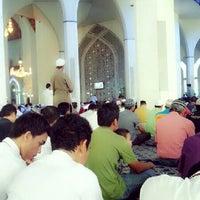 Photo taken at Masjid Sultan Salahuddin Abdul Aziz Shah by Fit F. on 4/26/2013