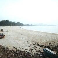 Photo taken at Tung Wua Laen Beach by Cha M. on 3/30/2018
