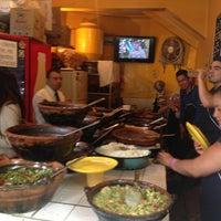 Foto tirada no(a) Tacos Hola! por Cotaman T. em 7/12/2013