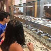 6/28/2017 tarihinde Belinda T.ziyaretçi tarafından Fractured Prune Doughnuts'de çekilen fotoğraf