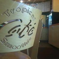 Photo taken at Tropical Smoothie Cafe by Belinda T. on 9/21/2012