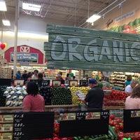 Foto scattata a Sprouts Farmers Market da Belinda T. il 7/29/2014