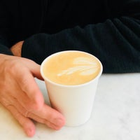 Photo prise au Gotham Coffee Roasters par Jean N. le5/22/2018