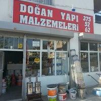 Photo taken at Doğan Yapı Malzemeleri by Mesut Ü. on 5/17/2014