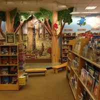 Photo taken at Barnes & Noble by Marga C. on 2/3/2013