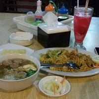 Photo taken at Mie Bakso Mr. Blangkon by Astrit I. on 1/30/2015