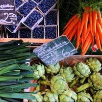 Das Foto wurde bei Wochenmarkt Winterfeldtplatz von Doro K. am 6/16/2012 aufgenommen