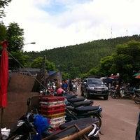 Photo taken at Sunday Market by 🎄🎅 Nu.Boom 🎅🎄 on 7/1/2012