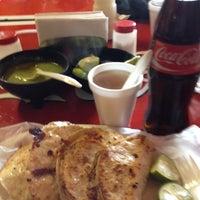 Foto tomada en Tacos El Ranchero por Gilberto el 8/19/2012