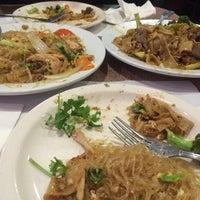 รูปภาพถ่ายที่ Original Thai BBQ โดย Ariadna A. เมื่อ 10/5/2015
