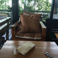 Photo taken at Doi Chaang Cofee by ♥Bⓘg Applⓔ♥ on 7/11/2015