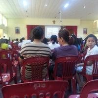 Photo taken at หอประชุมโรงเรียนฤทธิยะวรรณาลัย 2 by Tong\(°0°)/ S. on 11/10/2012