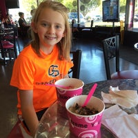 Photo taken at Yogurt Extreme by Cathy F. on 10/11/2014