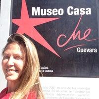 Photo taken at Museo Casa Ernesto Che Guevara by Mujer A. on 12/8/2015