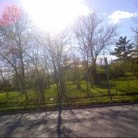 Foto tomada en Sneak Peak at Freshkills Park por Bill L. el 4/27/2014