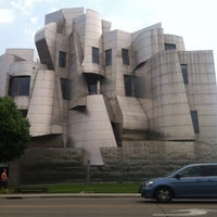 Photo taken at Frederick R. Weisman Art Museum by Shantel R. on 7/5/2013