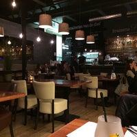 Foto tirada no(a) Brasserie Plancius por Demi P. em 11/9/2014