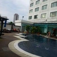 Photo taken at Hotel Vistana by Breffa Y. on 12/31/2012