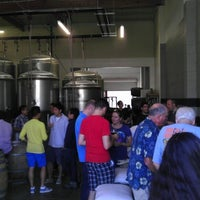 Foto tomada en Monkish Brewing Co. por andrew f. el 6/8/2013