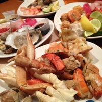รูปภาพถ่ายที่ Village Seafood Buffet โดย Binny N. เมื่อ 11/9/2012