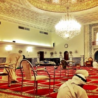 Photo taken at Al-Naqi Mosque by oıƃƃɐq on 5/16/2013
