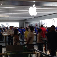 Photo taken at Apple Morumbi by Wesley M. on 4/18/2015