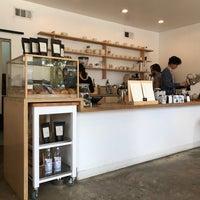 Снимок сделан в Maru Coffee пользователем Chester H. 3/24/2018