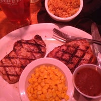 Photo taken at Texas Roadhouse by Denzell S. on 5/4/2014