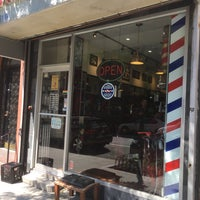 Foto scattata a Manhattan Barber Shop da John M. il 8/3/2016