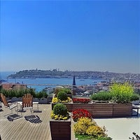 Photo taken at Witt Istanbul Suites by Traveleatshop on 5/31/2015