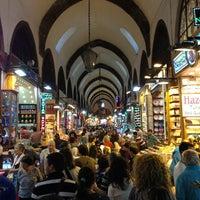 Foto tomada en Spice Bazaar-Egyptian Bazaar por ömer T. el 5/18/2013
