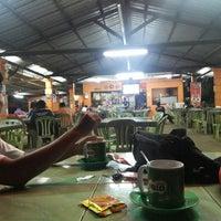 Photo taken at Wak Singgah Rasa by Ridha M. on 6/12/2016
