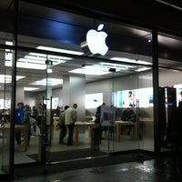 Photo taken at Apple Bahnhofstrasse by Mikle (Savage) S. on 1/30/2013
