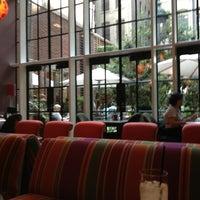 8/27/2013にMonicaがThe Crosby Barで撮った写真