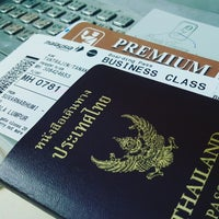 Photo taken at Malaysia Airlines (MH) Check-In Area by Tanakawee แ. on 9/25/2016